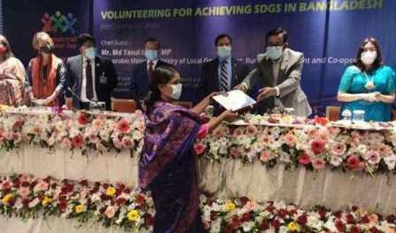 Moyna wins IVD Bangladesh Volunteer Award-2020